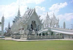 kuil putih di chiang rai thailand