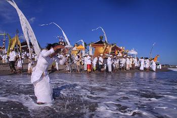 melasti hindu religious day