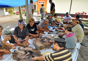 traditional food lawar galungan