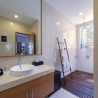 villa-kinara-guest-bathroom
