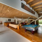 villa-kinara-living-room-with-pool-table-and-bar