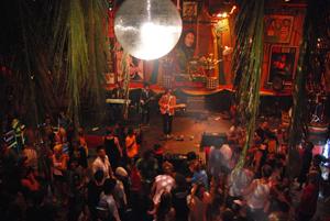 Apache Club Clubbing Bali