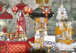 giri putri temple nusa penida