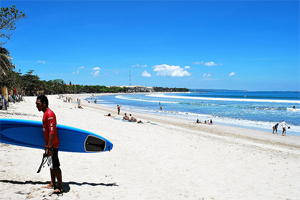 surfing in kuta beach bali